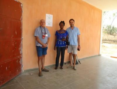 Francesco e Paolo con l'Insegnante Sabine futura responsabile della Scuola di Formazione Agricola